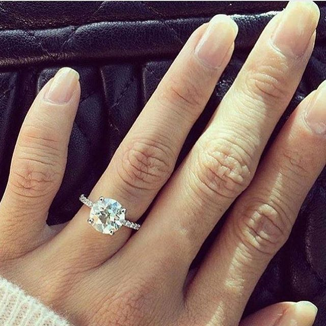 Best 25 Round Diamond Engagement Rings Ideas On Pinterest