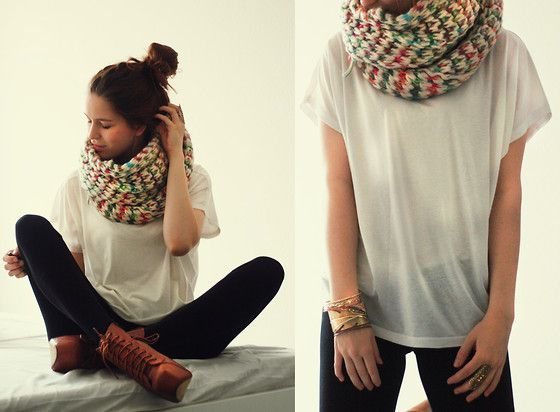 Scarf, baggy white tee, leggings, boots easy and cute