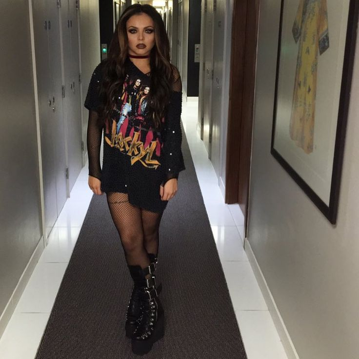 The get up today for V fest T-Shirt @diybypanida Boots @currentmoodclothing @dollskill @choker @missyempire