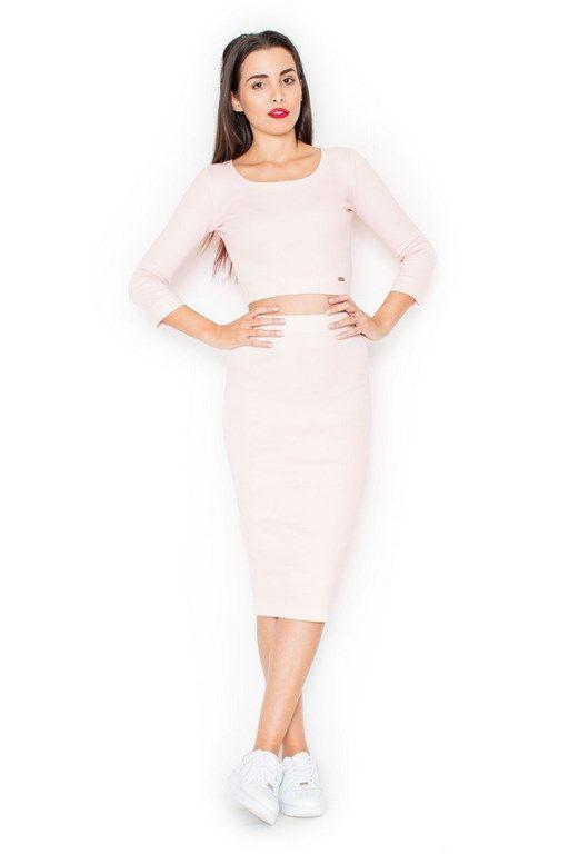 Obcisła różowa sukienka