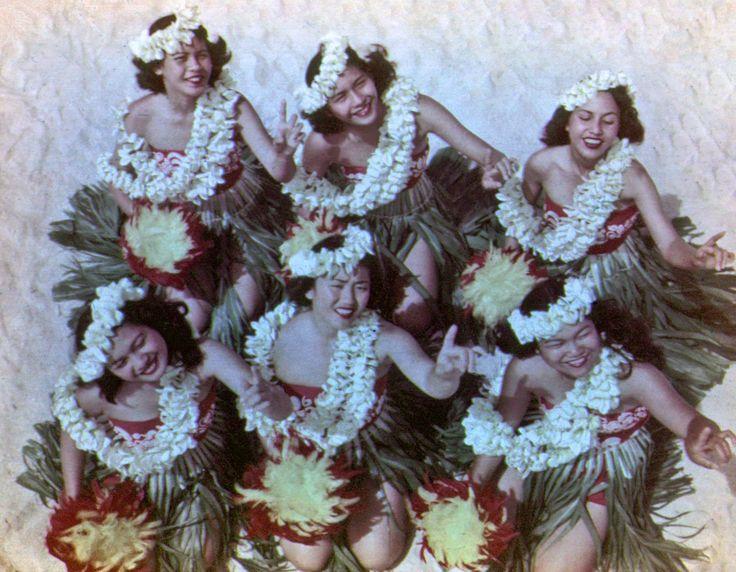 Vintage 1967: Beautiful Hula Maidens, Honolulu, Hawaii.