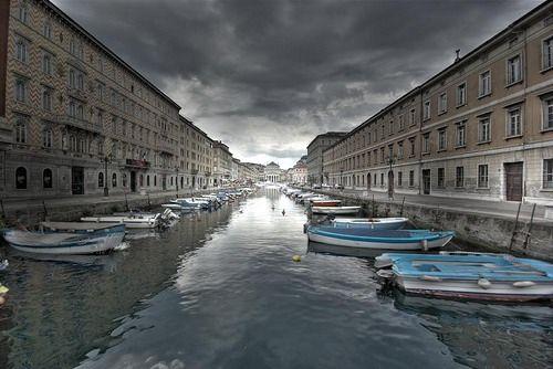 Trieste www.bambiniconlavaligia.it