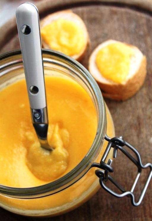 Háztáji csemegék: citromkrém csatos üvegben