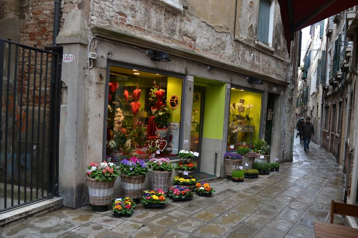 Colors. Flowers. Venice - call it magic