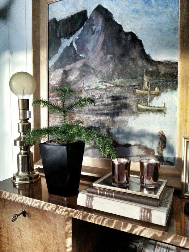 Livingroom details vintage art