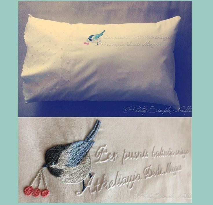 Vintage style hand embroidery. Little bird. www.facebook.com/PrettySimpleGifts