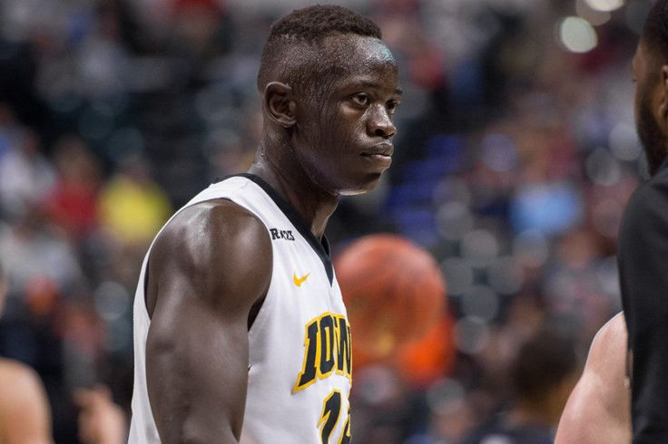 Iowa's Peter Jok should be favorite for Big Ten Player of the Year = Peter Jok's Iowa Hawkeyes have yet to play a Big Ten game this season — their conference schedule starts Dec. 28 at No. 15-ranked Purdue — but it's not too early to consider.....