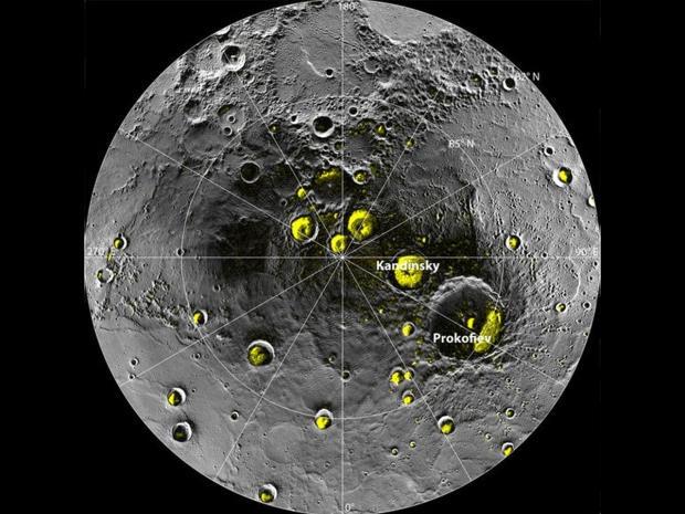 vida em mercúrio   A descoberta de grandes quantidades de gelo e de água e possíveis compostos orgânicos sobre o planeta Mercúrio sugere que as condições básicas necessárias para a existência de vida como a conhecemos pode ser comum em todo o sistema solar, dizem os pesquisadores.