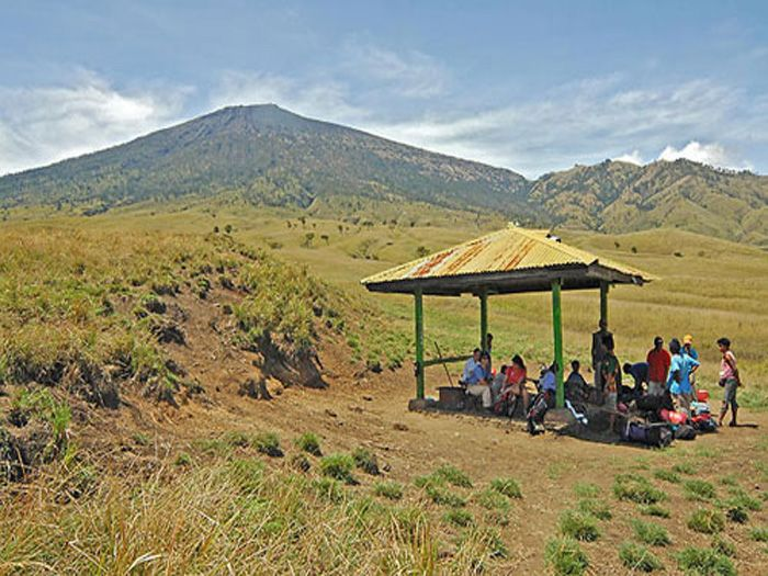 Pos 1 gunung injani