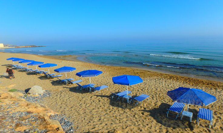 Juni vakanties naar de Griekse eilanden:Juni is een heerlijke vakantiemaand op de Griekse eilanden. Lekker actief zijn of een dag ontspannen op het strand, het kan allemaal in juni. De temperatuur van de zee is heerlijk om te zwemmen of te snorkelen. Natuurlijk kunt u ook wandelen in de bergen of aan andere activiteiten deelnemen