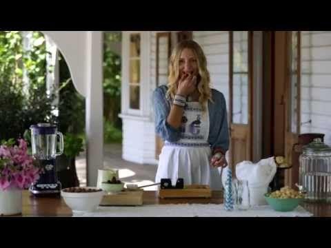 ▶ Inspiration: How to make.... macadamia milk - YouTube