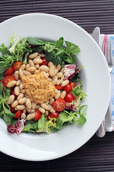 Cannellini Beans, Tomatoes and Hummus Salad