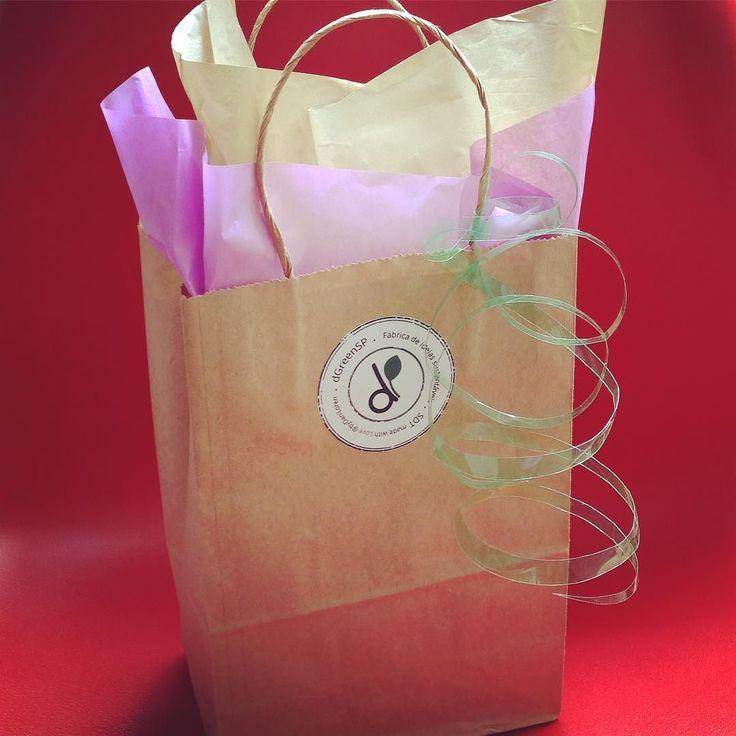 Saindo mais um Kit com a miniatura da Amy #linda  #Fita de #pet pra #enfeitar Onde comprar nossos produtos?  Rua Artur de Azevedo 1561  Pinheiros  Entenda pq nossos produtos são #sustentaveis video no canal do #youtube Dani Loren Oficial Assistam a palestra sobre o conceito definido pela designer Dani Loren  Sustainable Design Thinking Mostrem para as crianças tb ;) #conteudosustentavel ... Em qualquer #quartodebebe eles se destacam #lindos  #presente de #natal ... Fechando o ano com…