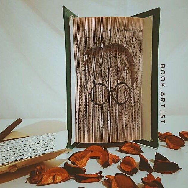 📔📔 ✔Kişiye özel tasarımımız vardır. ✔Bilgi ve sipariş için Dm veya e-Mail atabilirsiniz. . . . #harrypotter#potter#harry#hufflepuffle#wizard#expectopatronum#hogwarts#kitap#book#folding#katlama#kitapkatlama#bookfolding#bookshelf#booking#bookstore#kitapkokusu#kitapsevgisi#kitaplarheryerde#sanat#gorselsanatlar#kisiyeozel#tasarım#emek#kişiyeözel#hediye