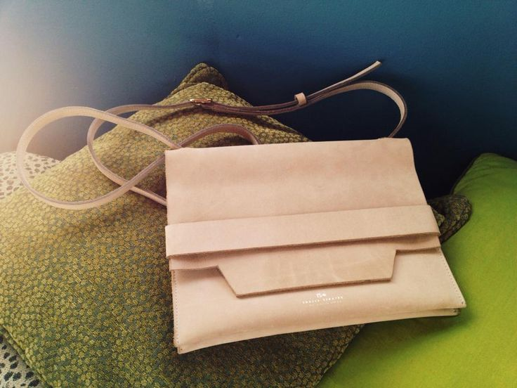Thalia Strates Inge Bag in Nubuck beige and gold finishes