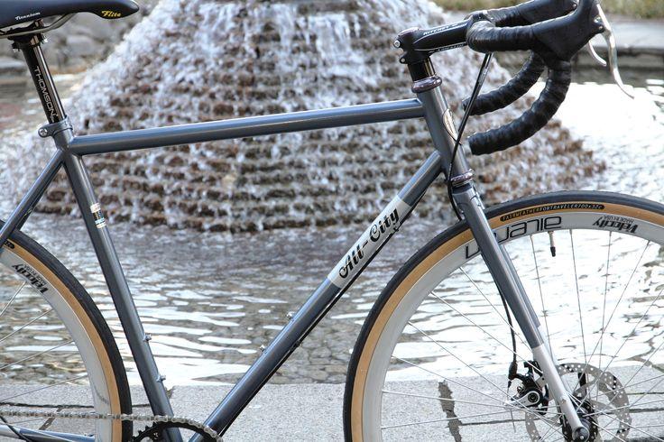 https://flic.kr/p/Qx7q1Y   *ALL-CITY* nature boy disc   *ALL-CITY* Nature boy Disc complete bike BLUE LUG custom  Headset:*CHRIS KING* nothreadset wheels:*VELOCITY* aileron rim × *SHIMANO* deore xt hub Tire:*FAIRWEATHER* for traveler tire Crankset:*FAIRWEATHER* CX crankset Brake:*AVID* spyre Brake lever:*CANE CREEK* scr-5 road brake levers Handle:*RITCHEY* wcs evo curve Stem:*RITCHEY* comp Seat post:*THIMSON* elite Saddle:*SELLE ITALIA* flite 1990 saddle Bar tape:*LIZARD SKINS* DSP 2.5mm…