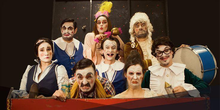 Médico a Palos - Teatro Nacional Fanny Mikey. A través del lenguaje del clown, y acompañados de música en vivo y mucho color, ocho personajes que emergen...