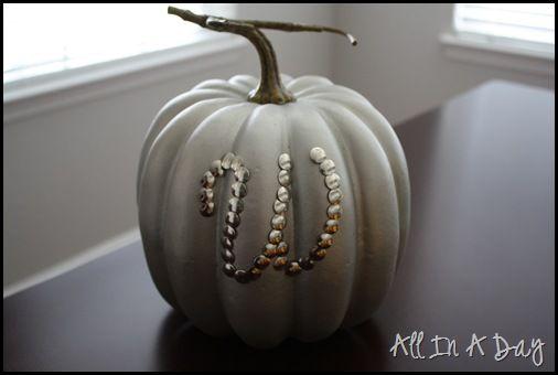 thumbtack pumpkin: Crafts Ideas, Monograms Pumpkin, Fall Decor, Monograms Thumbtack, Pumpkins, Halloween Pumpkin, Holidays Ideas, Thumbtack Pumpkin, Pumpkin Design