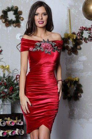 Modele de Rochii de Catifea Scurte si Lungi Online