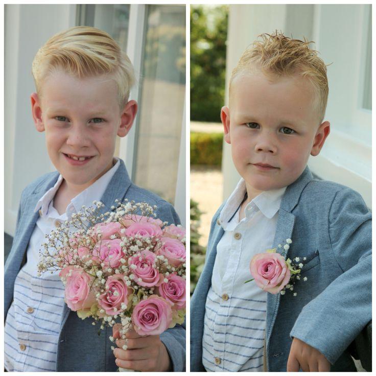 Onze zonen waren prachtige bruidsjonkers op onze Vintage Wedding