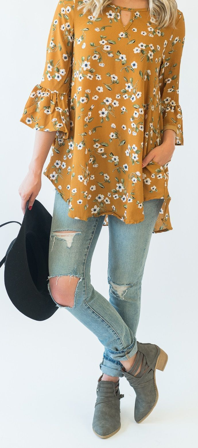 Piper Floral Tunic - Cute Fall Outfit Idea, floral tunic ripped jeans and booties #casualfalloutfits