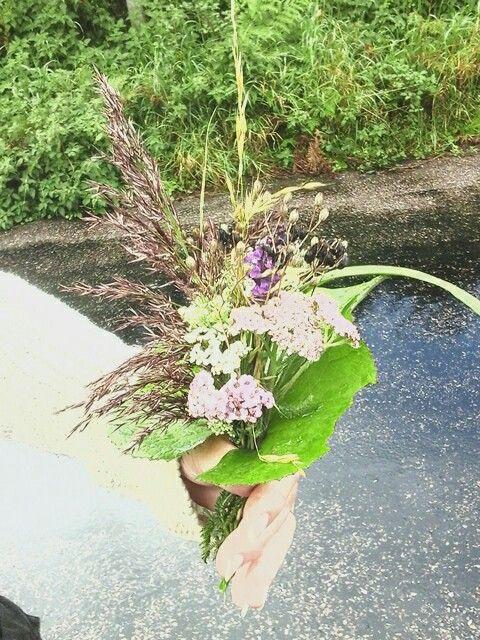 Amanda's wild flower bouquet.♡♥♡♥