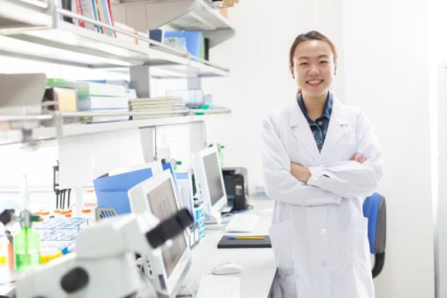Biology majors develop a myriad of analytic and problem solving skills, and as a result, there are just as many possible career choices. Here's a list of the top ten jobs for biology majors: http://jobsearch.about.com/od/college/ss/Top-Ten-Jobs-for-Biology-Majors.htm