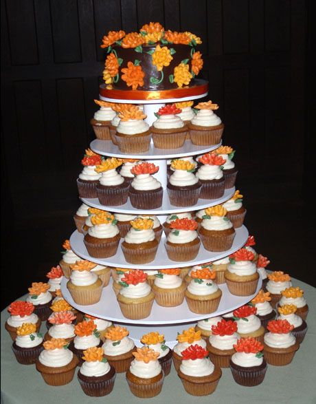 fall wedding cakes with cupcakes 9 best images about and gold bridesmaid bouquets on 14171