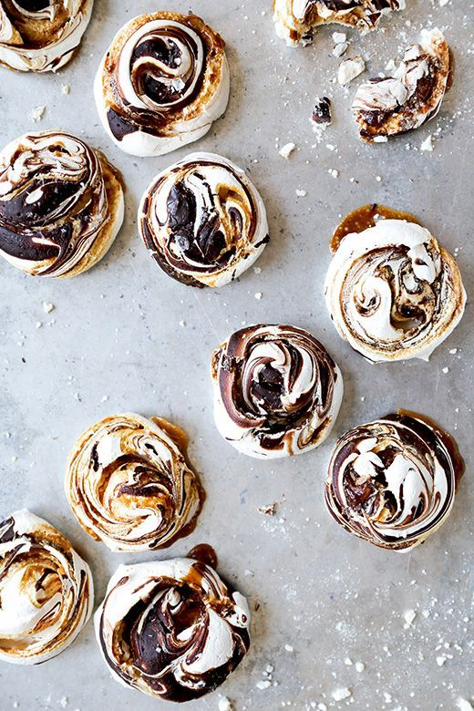 Chocolate and Salted Caramel Swirled Meringues | http://www.floatingkitchen.net