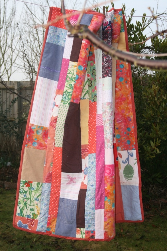 1000+ ideas about Recycle Old Clothes on Pinterest Baby clothes blanket, Baby memory quilt and ...