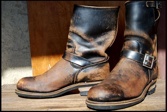 Engineer 2268 boots by Red Wing. Looks really kick ass with the patina of age.