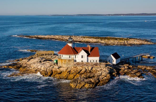 The Inn at Cuckolds Lighthouse - 15 Picturesque Lighthouse Hotels Around the World | Fodor's Travel
