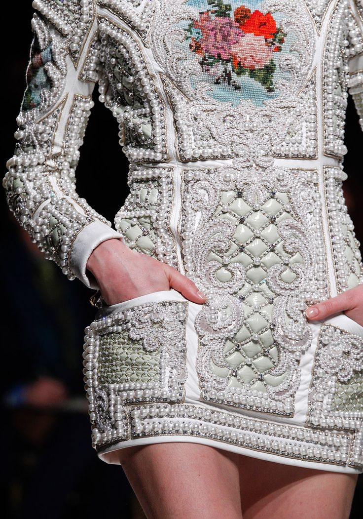 Not something I would wear myself, but absolutely stunning work by Balmain. I'm tempted to pin this onto my art board!