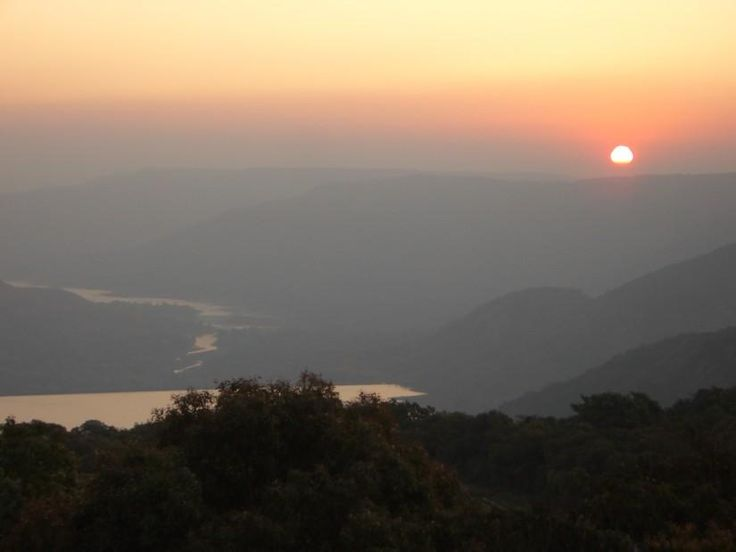 Sunrise, Mahabaleshwar - Photography by Kiran Kapadia in My Shoots at touchtalent