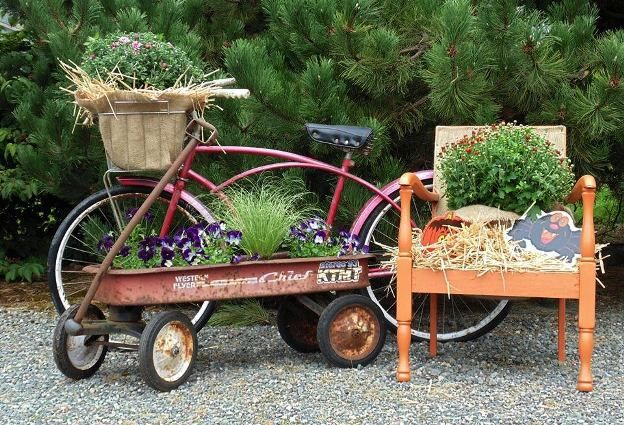 Sandy Fischer's fun combination of bicycle and Radio Flyer wagon.  *-*