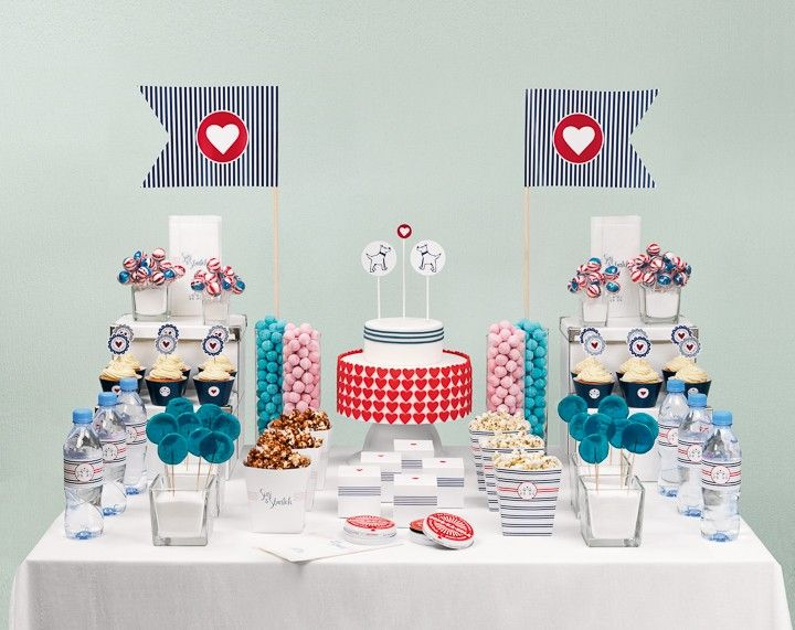 Candybar mit Hunde-Thema in Rot und Blau – dog themed red and blue candy table – www.weddingstyle.de