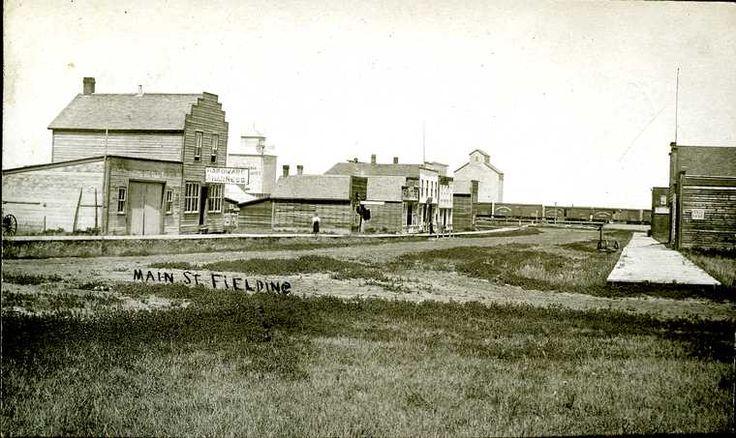 Fielding, SK - Vintage Saskatchewan - Photos - SaskPhotos.ca