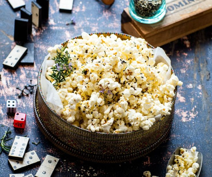 Who doesn't love popcorn?! I love getting creative with flavours, like this toasted sesame and rosemary salt popcorn. It's perfect for entertaining friends or for a movie night. This popcorn recipe would also make for a great healthy snack to … Continued