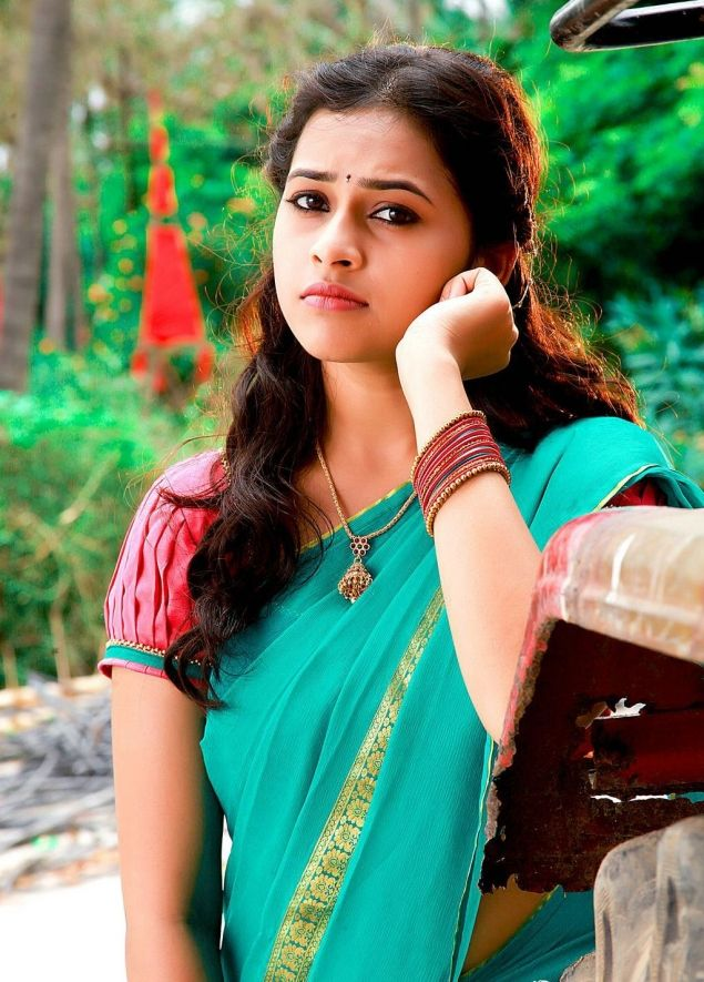 Actress Sri Divya Photos