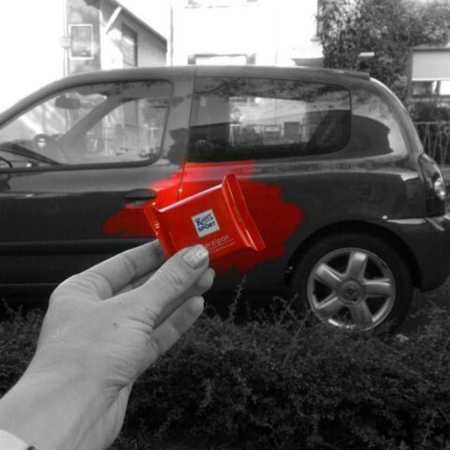 """Welche Farbe hat dein Auto?"" - "" #RITTERSPORTMarzipan - Rot"""