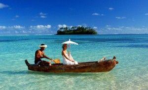 #Bride arriving by boat at #TeVakaroa Villas to her awaiting #groom #beachwedding #paradise