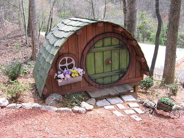 Fairy House- really a fairy camper- faries have to go on vacation sometime too you know!