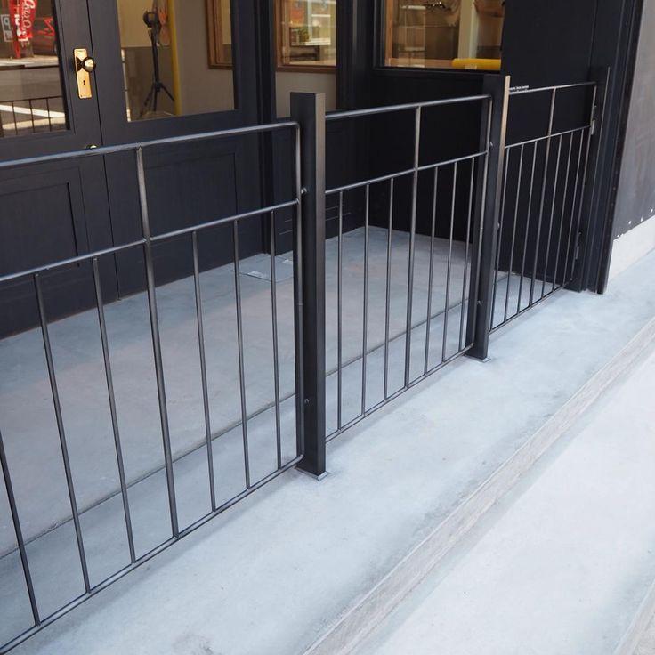 ペットサロンのゲートの ご注文 支柱の周囲でモルタルが 割れにくい