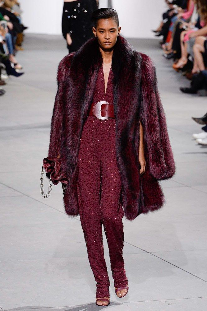 #MichaelKors   #fashion  #Koshchenets Michael Kors Collection Fall 2017 Ready-to-Wear Collection Photos - Vogue