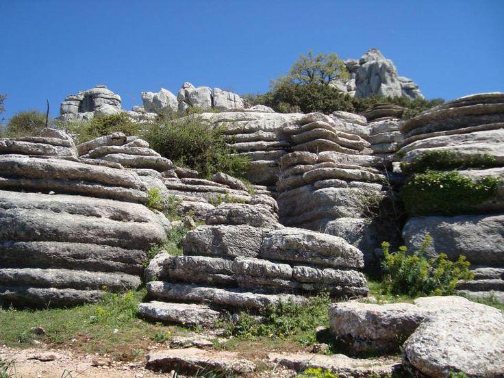 Esta foto fue tomada en el Paraje Natural Torcal de Antequera, impresionante paisaje kárstico donde predominan las calizas, rocas con más de 150 millones de años. #MiEspacioNatural.