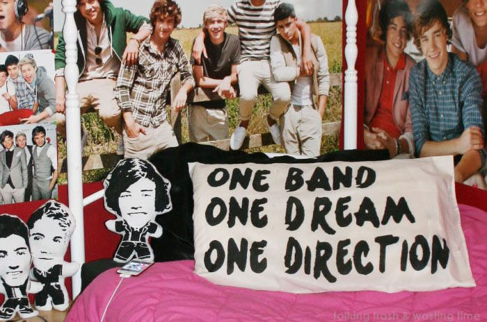 How to make your own One Direction word phrase pillow case for your bedroom - picture TUTORIAL
