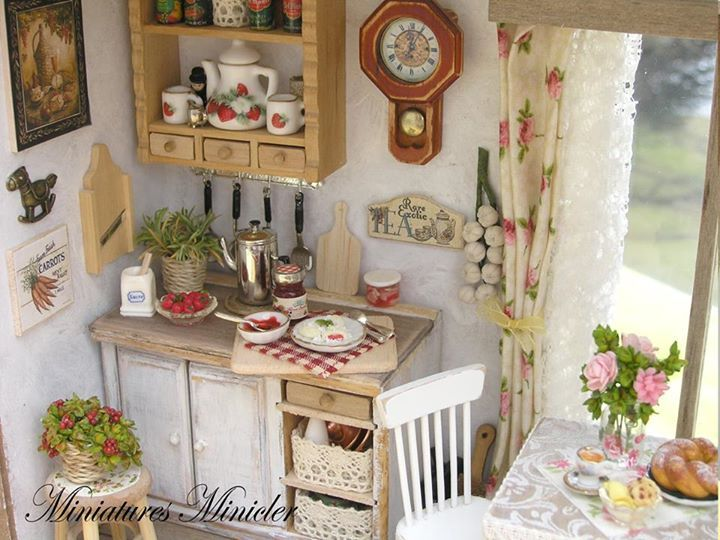 I Couldn T Resist This Vintage Colonial Dollhouse From The: 4679 Best Miniature Kitchen Images On Pinterest