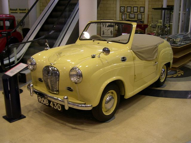 1952 Austin A30 = This remind s me of an old pedal car. 8-)