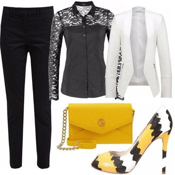 Il dictat di questo outfit è: femminilità androgina all'ennesima potenza. Pants chino modello capri e camicia nera con inserti in seducente merletto. Che ne pensate?