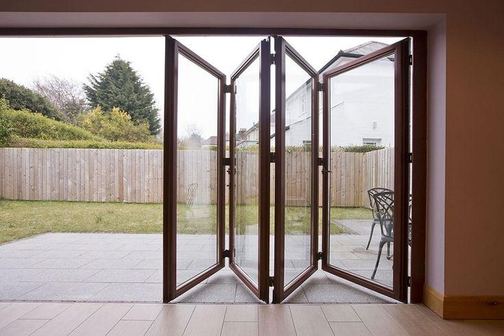 Beneficios de las puertas plegables en el hogar - https://www.decoora.com/beneficios-las-puertas-plegables-hogar/